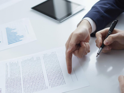 Contrato de mandato y arrendamiento de servicios