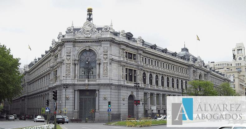 Españoles reclaman menos a los bancos