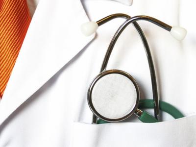 ¿Me puede cobrar un hospital tras un accidente tráfico?