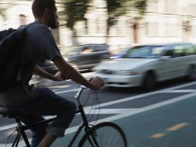 Tráfico: Qué saben los ciclistas y qué no