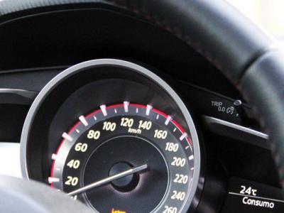 9 de 10 conductores con exceso velocidad