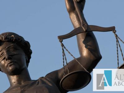Abogados: Profesionales del Derecho