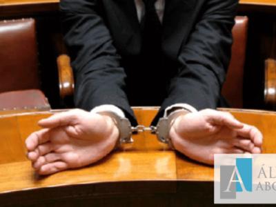 Detenido debe conocer causa arresto policial