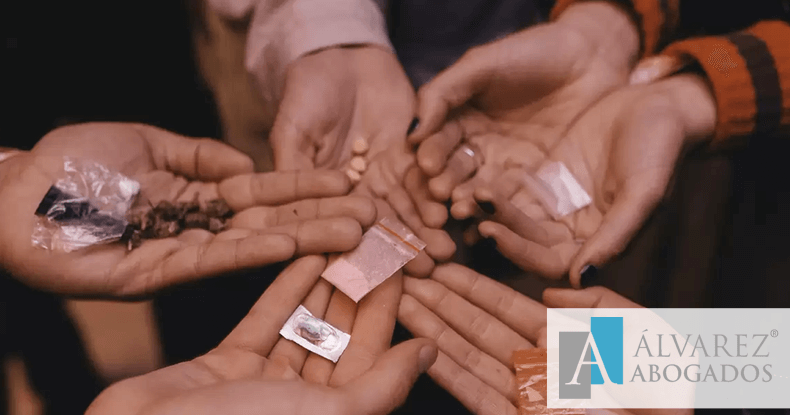 Delitos por posesión y consumo de drogas